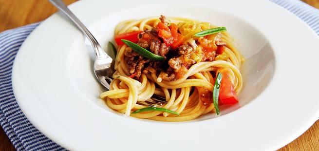 Enkel spagettisaus med gulrot og selleri