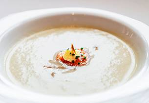 Blomkålsuppe med røkt Ishavsrøye