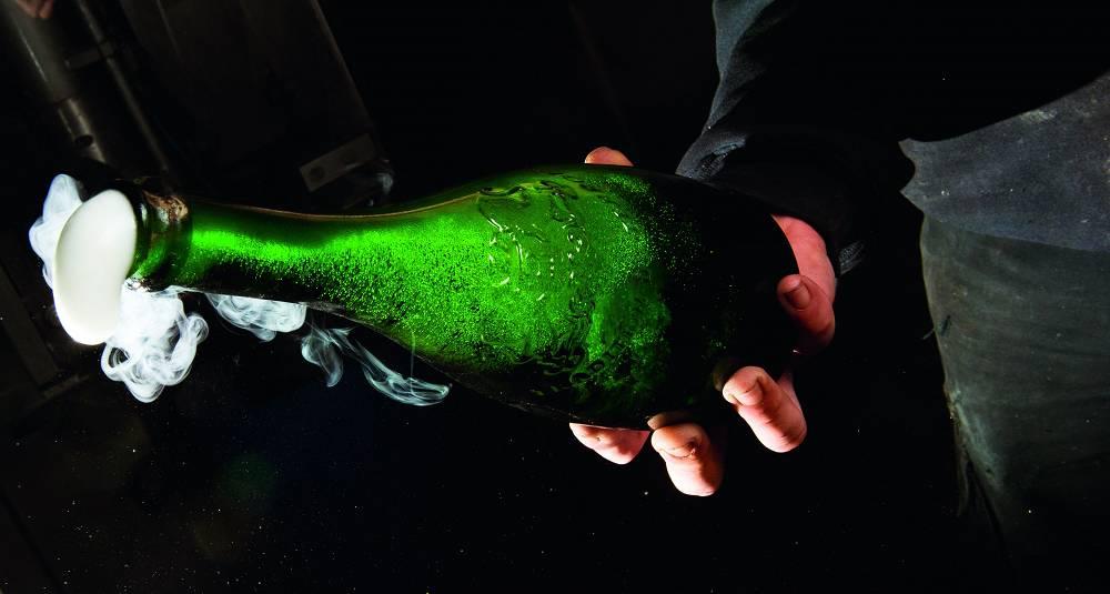 Lurer du på hvor champagne får boblene fra?