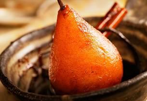 Gløggmarinerte pærer med mascarponekrem