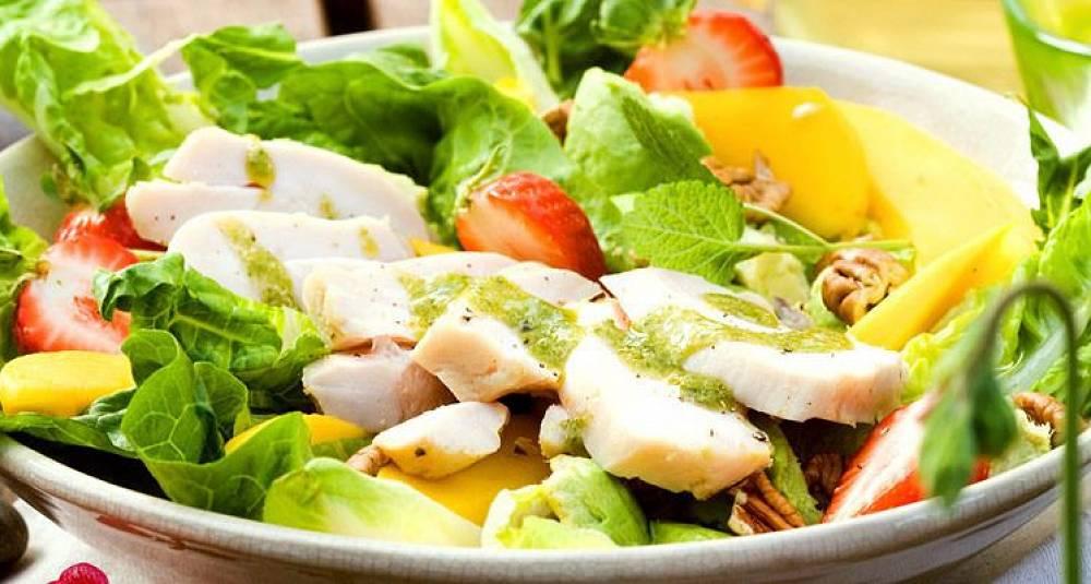 Dette er en salat du garantert blir mett og glad av