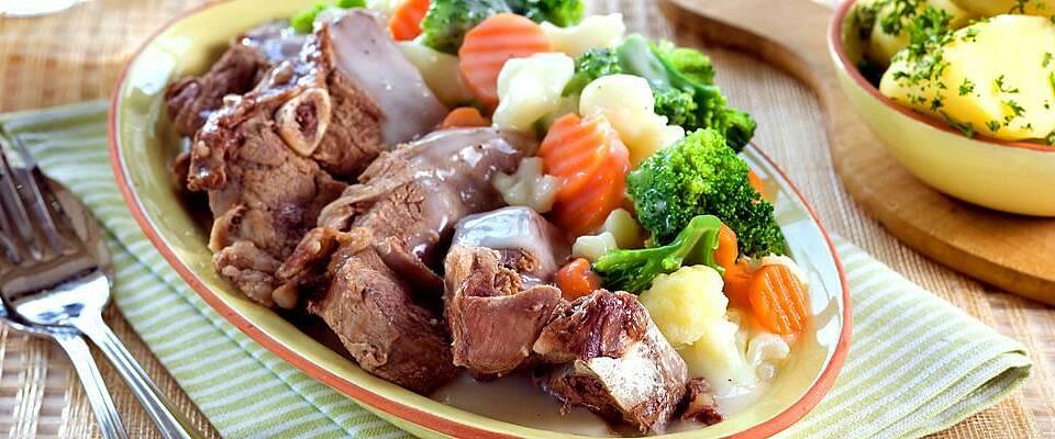 Alle takker ja til middagsinvitasjon når lammefrikasse er på menyen