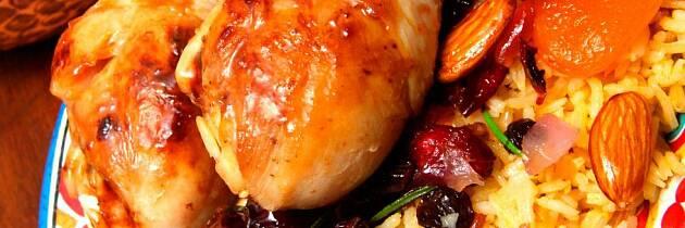 Slik lager du kyllinggryte med tørket frukt