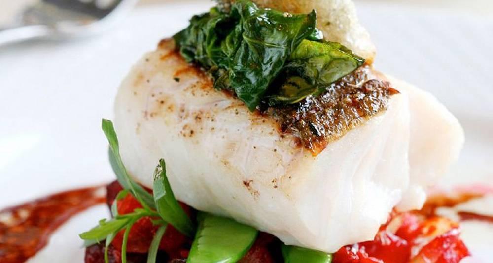 Med denne oppskriften kan du fint nyte rødvin til torsken