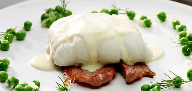 Lutefisk med hvit saus