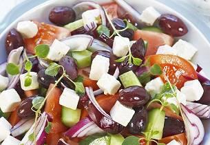 Gresk salat med tzatziki