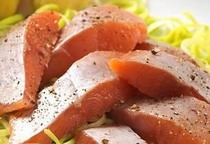 Rakefisk med gammalost og sitron