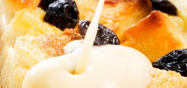 Brødpudding med sukat og rosiner