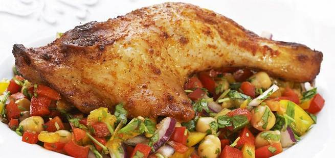 Kyllinglår med kikertsalat