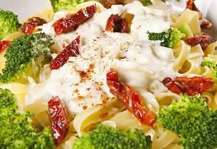 Pasta med broccolisaus