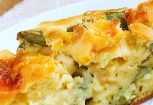 Pai med nesler og ost