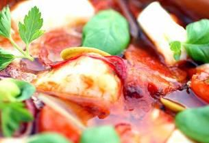 Ovnsbakt skrei med tomat og hvitløk
