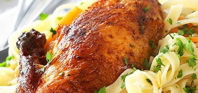 Grillet kylling med persillepasta