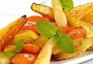 Honningbakte rotgrønnsaker med sitron og mynte
