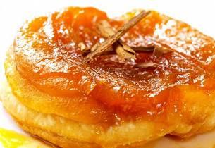 Opp ned-eplekake i porsjonsstørrelse