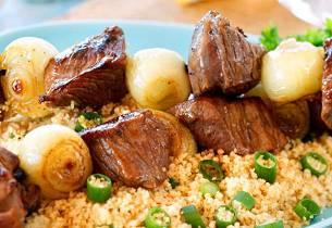 Shish kebab med couscoussalat