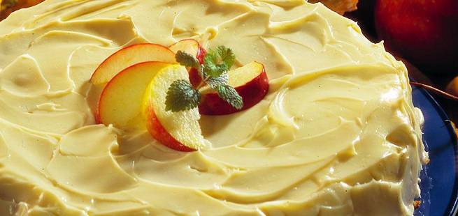 Amerikansk eplekake med kremostglasur