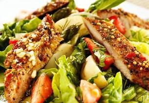 Salat med asparges, lune poteter og makrell