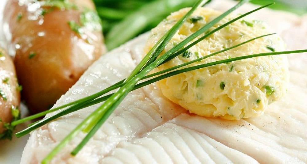 Kveite med aspargesbønner og ingefærsmør