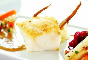 Breiflabb med sopp og soppsaus, bakte rotgrønnsaker, potetpuré av Gulløye og sylta rødbeter