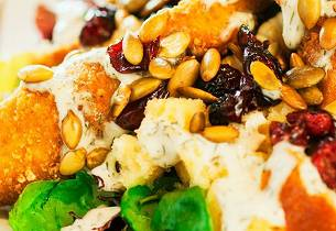 Kylling med brød- og maissalat