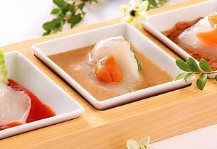 Sashimi av kveite med tre sauser