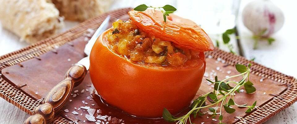 Fyll en tomat eller fem. Det smaker kjempegodt