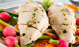 By på sprø vårgrønnsaker til kyllingen