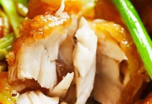 Stekt fisk i ingefærsaus som i Thailand