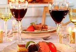 Helstekt kalvefilet, bakt tomat og sellrerirot, lime-potetpurré, calvadossaus med søte rosiner