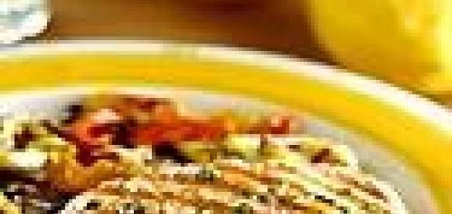 Grillet laksefilet med grønnsaker og urter