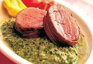 Filet innbakt i skinke med grønn saus eller sherrysaus