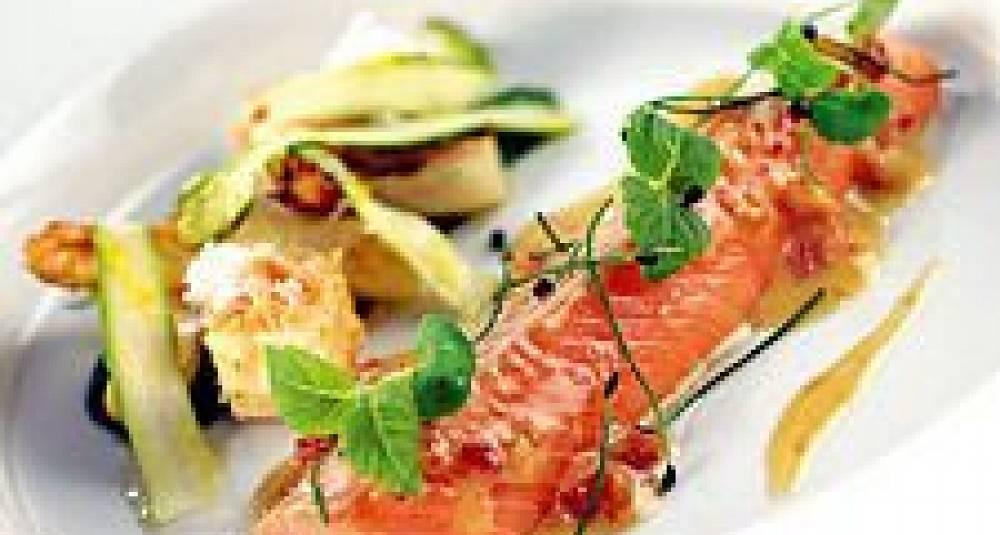 Bakt ishavsrøye og 4 x asparges