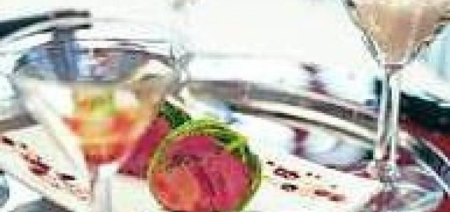 Gåselever og svineknoketerrine i savoykål