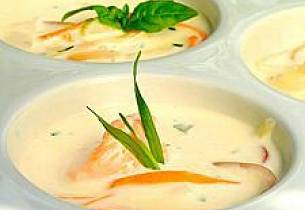Torsk i fyldig kremet suppe med sprø grønnsaker