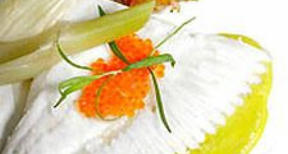 Posjert piggvar med røstipoteter og fennikelaroma