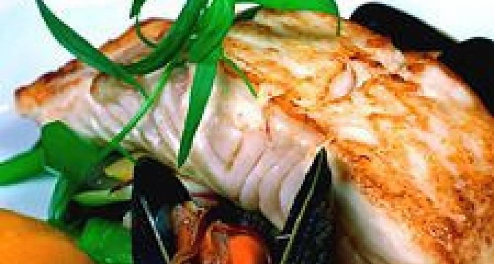Ristet kveite med blåskjell- og gulrotsaus