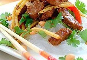 Thailandsk nudelsalat med lammefilet