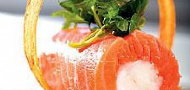 Ørretrullade med sjøkreps og asparges