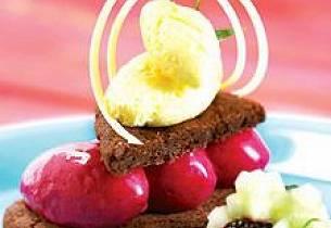 Linsercrust med hvit sjokolademousse og skogsbærsorbet