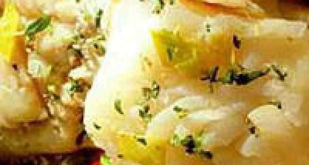 Kokt røykt uer med stuede rotgrønnsaker og mandelpoteter