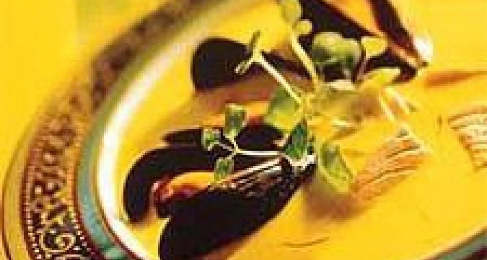 Laksesuppe med safran og blåskjell