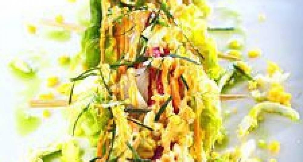 Salatspyd med stekt Norsk Kongekrabbe og skalldyraioli