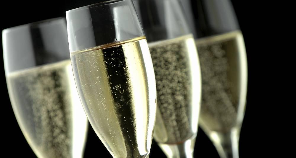 Gå ikke glipp av champagnemiddagen 15. september