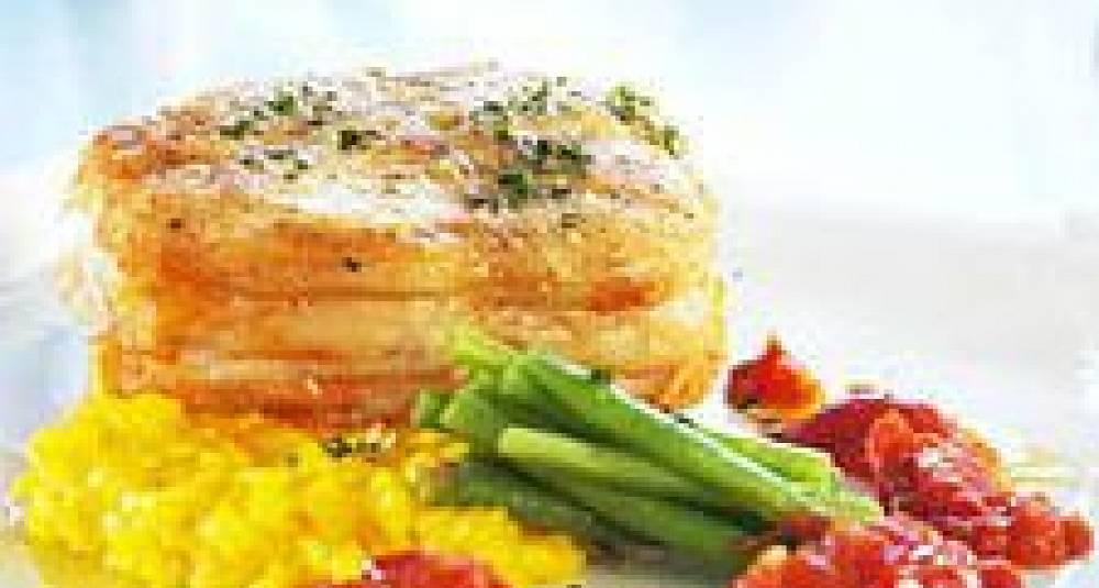 """Steinbitkotelett """"Ossobuco"""" på safranrisotto, grønne bønner og gremulata"""