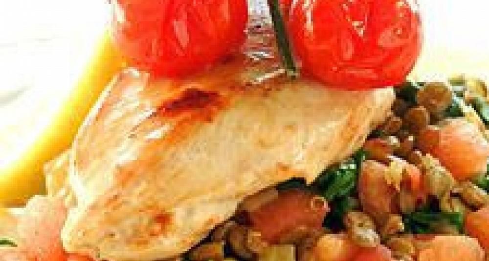 Kyllingfilet på linse- og spinatseng