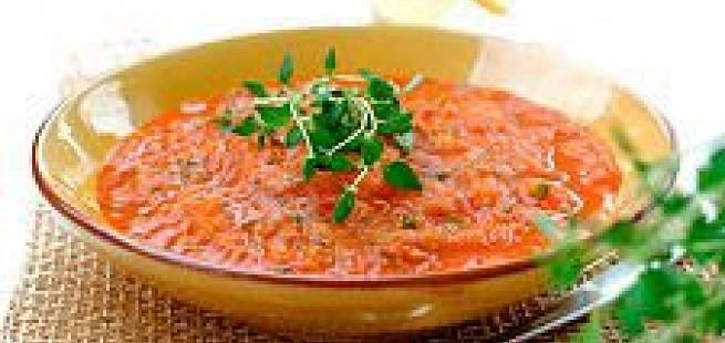 Frisk tomat- og basilikumsuppe