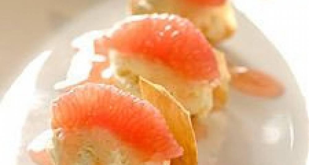 Hvit sjokolademousse med grapefrukt