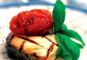 Grillet og marinert sverdfisk med tropisk salsa og couscous