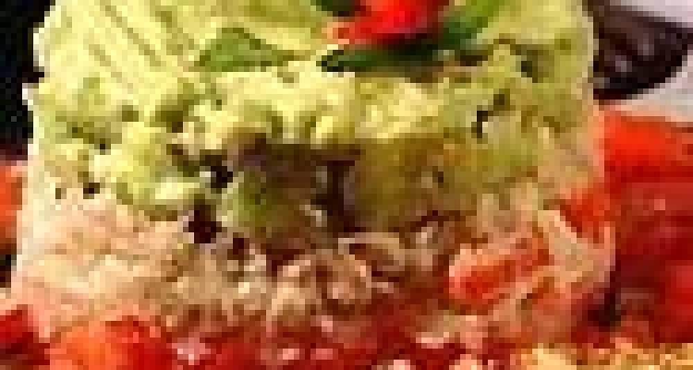 Krabbe med avokadopure og tomater
